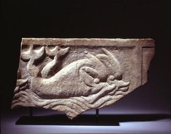 1-sarcophagus-dolphins-rome-335x263